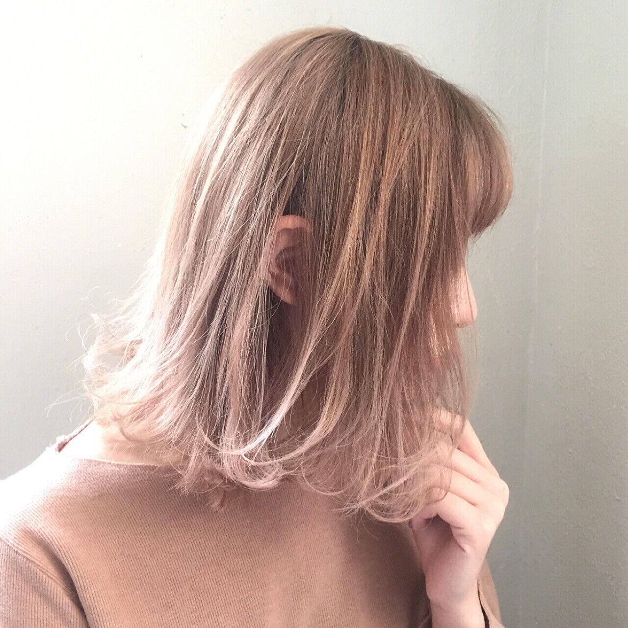 色気 ニュアンス デート アッシュヘアスタイルや髪型の写真・画像