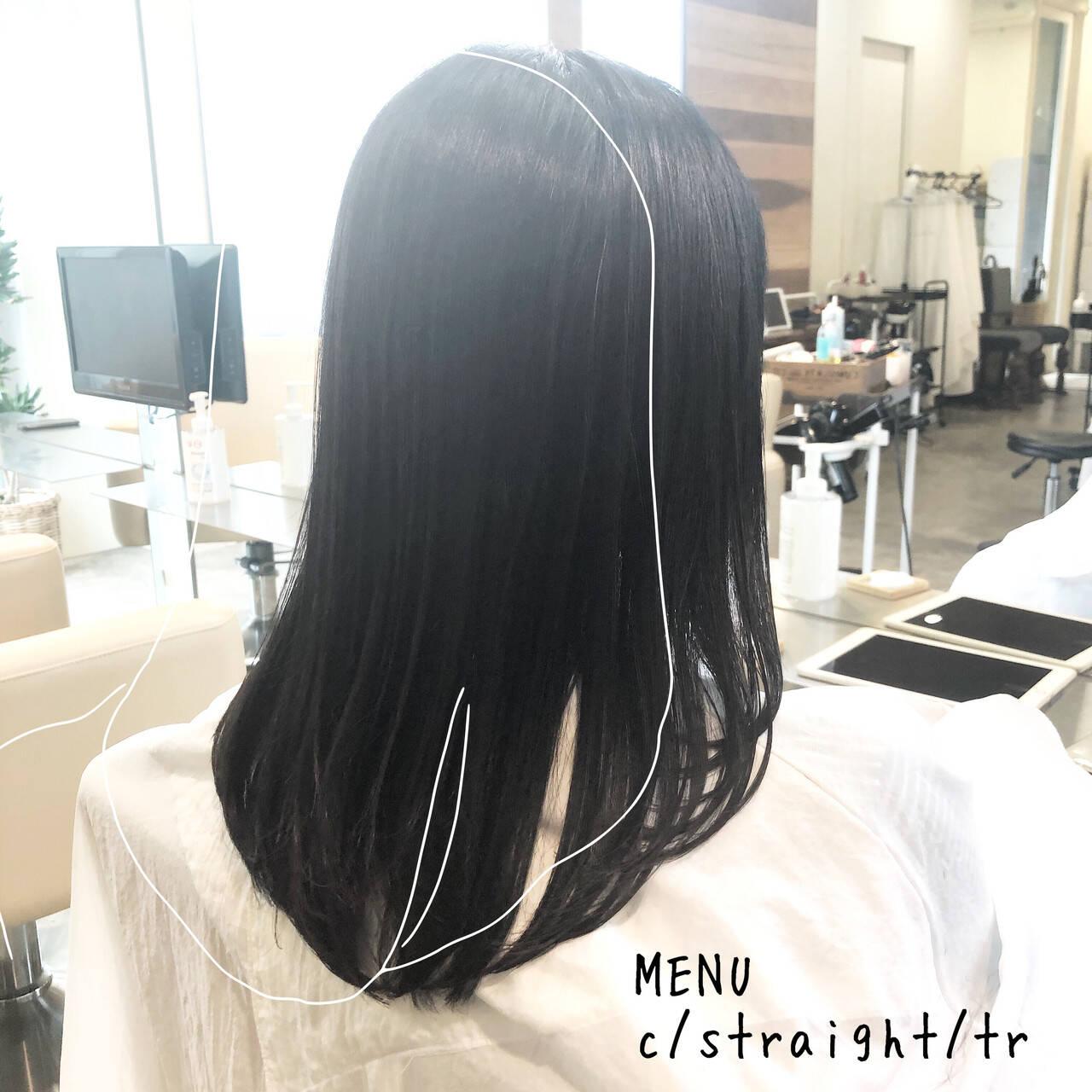 縮毛矯正 ストレート セミロング グレージュヘアスタイルや髪型の写真・画像