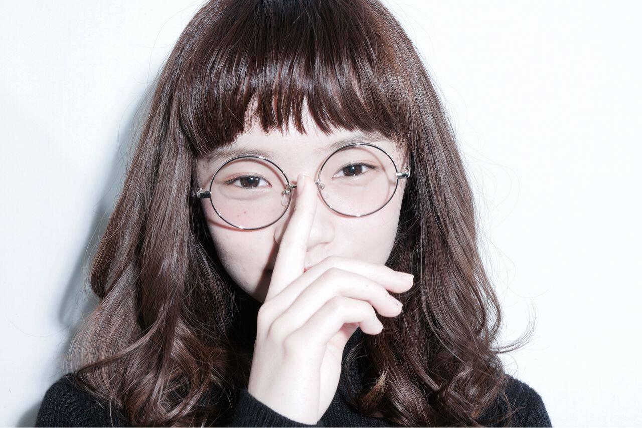 モード 暗髪 オン眉 ミディアムヘアスタイルや髪型の写真・画像