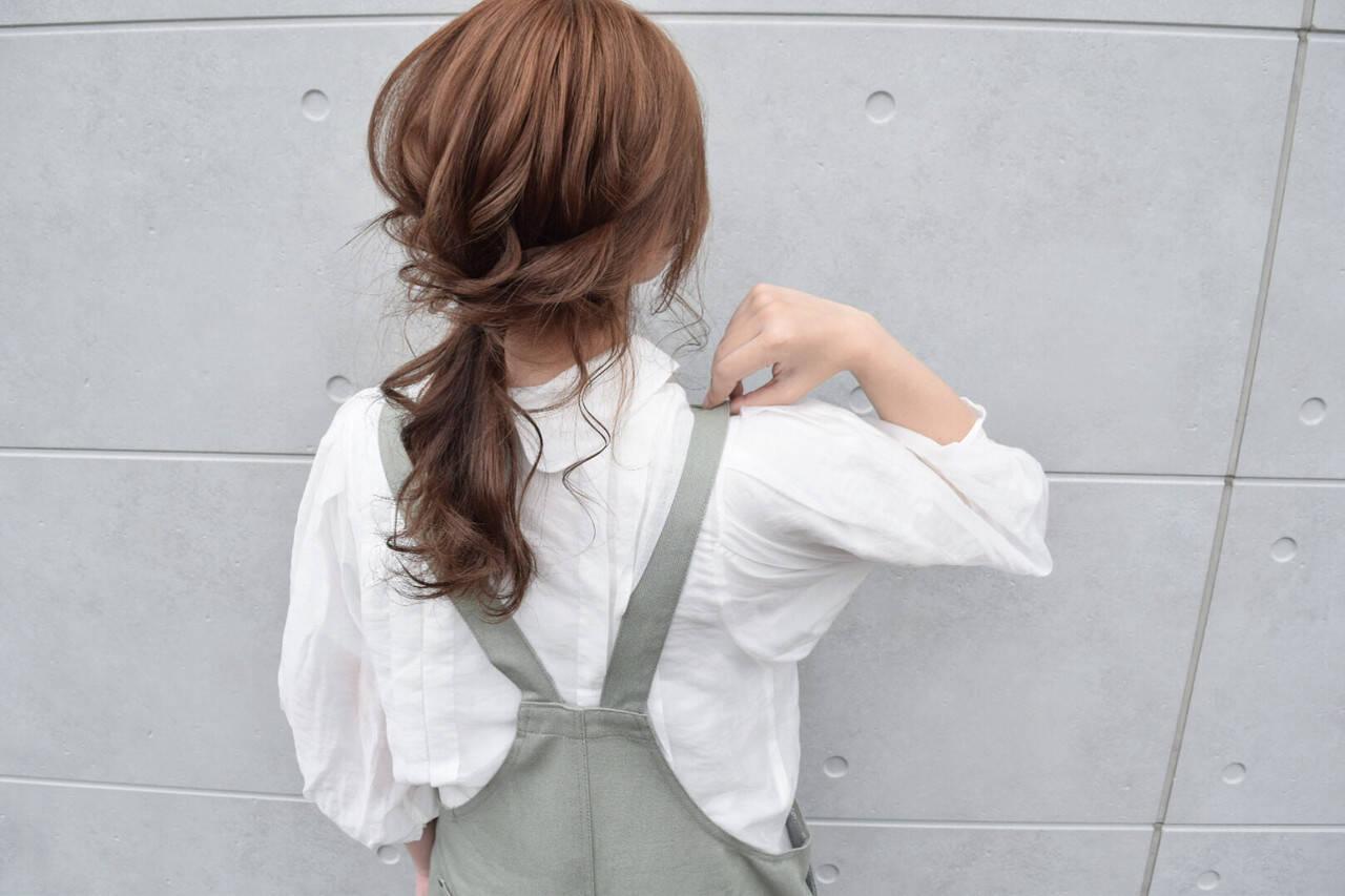 ヘアアレンジ ベージュ ガーリー ローポニーテールヘアスタイルや髪型の写真・画像