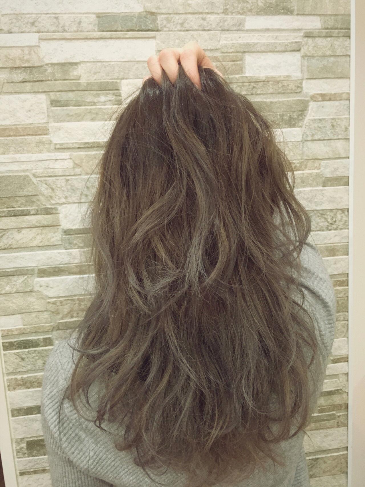 アッシュ ハイライト 外国人風 グラデーションカラーヘアスタイルや髪型の写真・画像