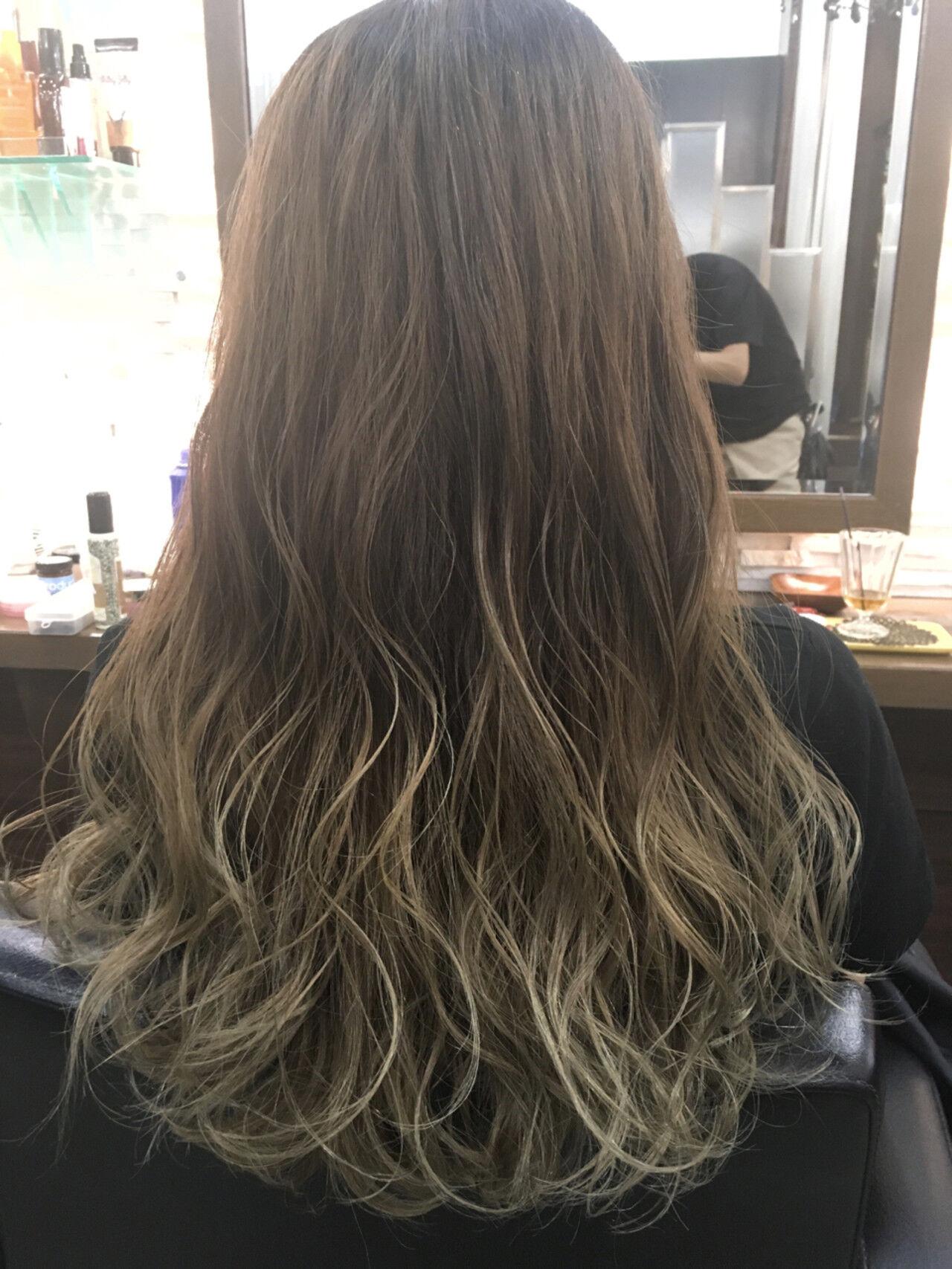 ブラウン アッシュ 外国人風 ロングヘアスタイルや髪型の写真・画像