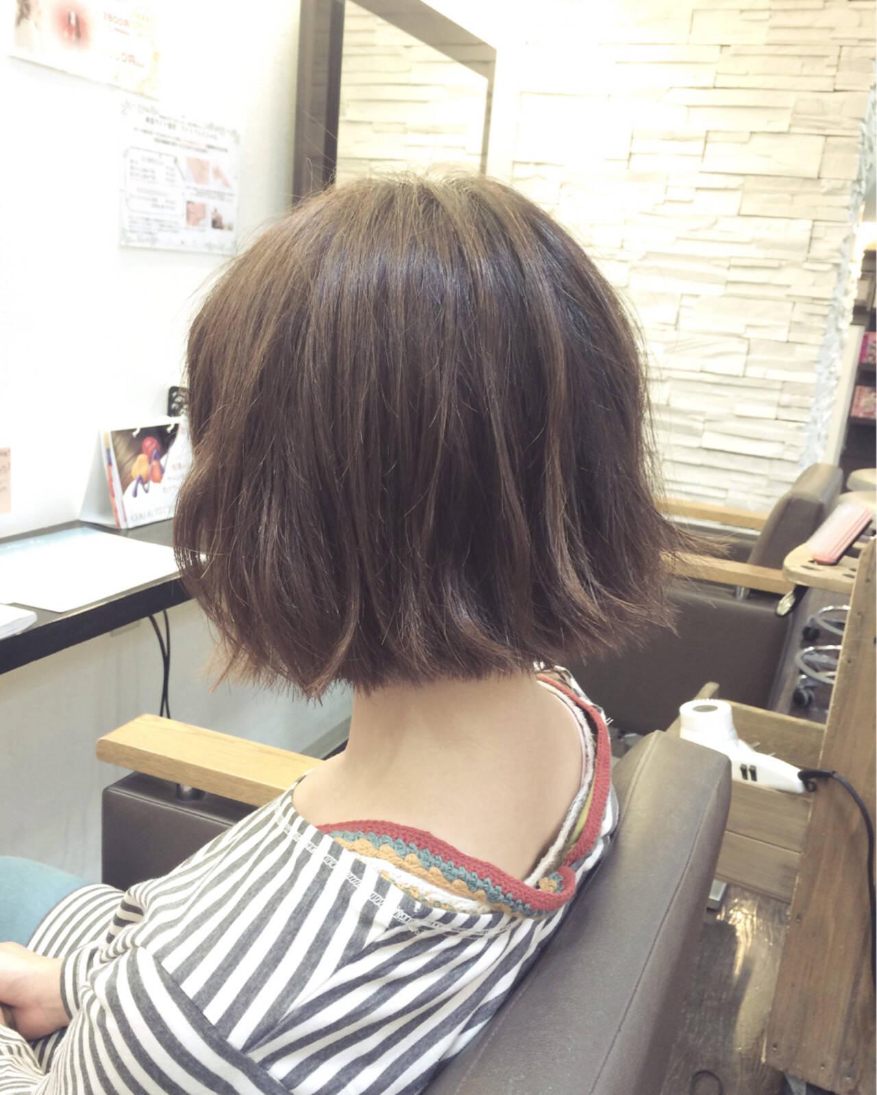 外ハネ ボブ ヘアアレンジ アッシュヘアスタイルや髪型の写真・画像