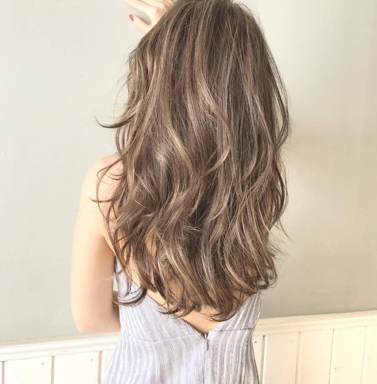 アンニュイほつれヘア 簡単ヘアアレンジ ナチュラル デートヘアスタイルや髪型の写真・画像