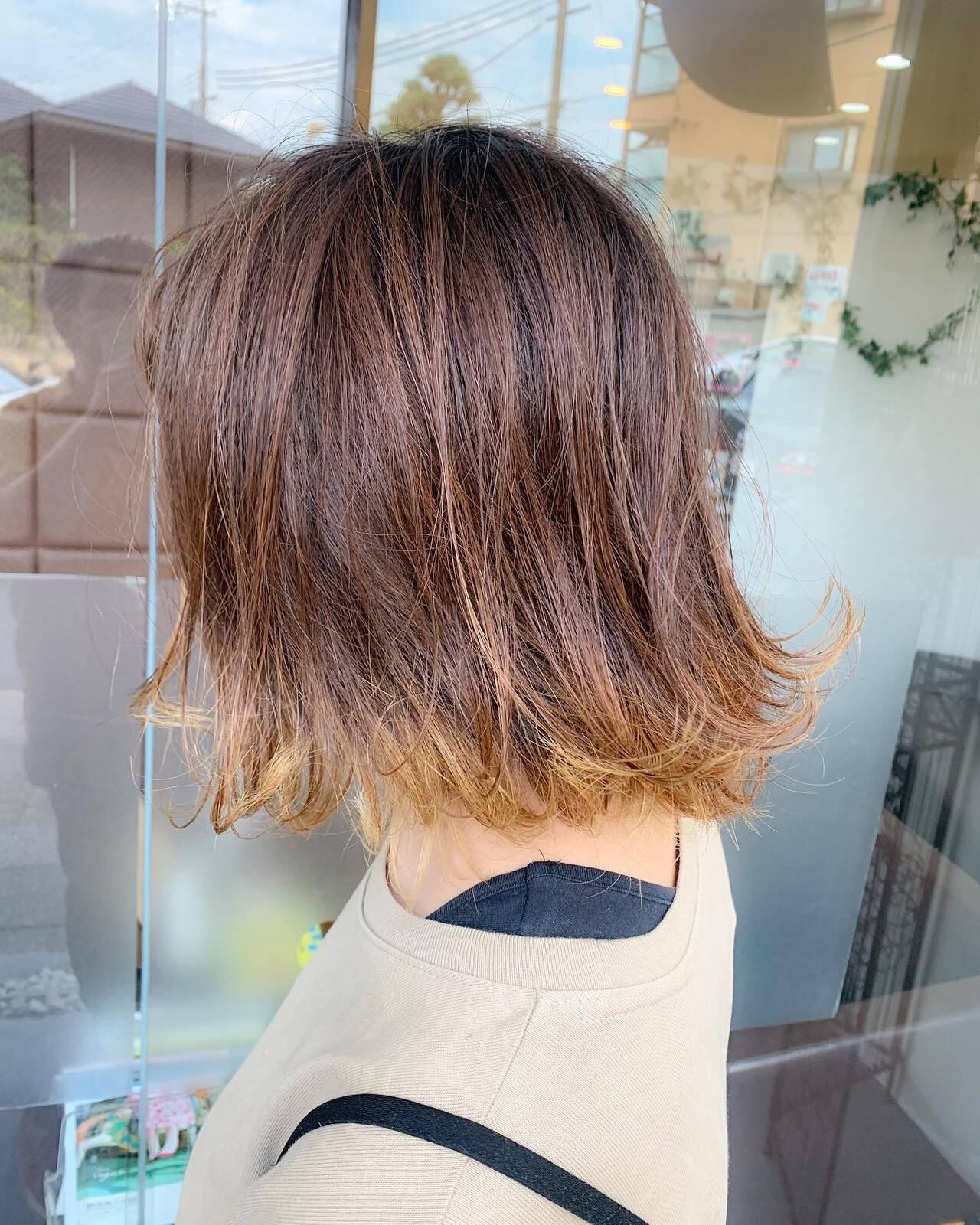 インナーカラー フェミニン ポイントカラー メッシュヘアスタイルや髪型の写真・画像