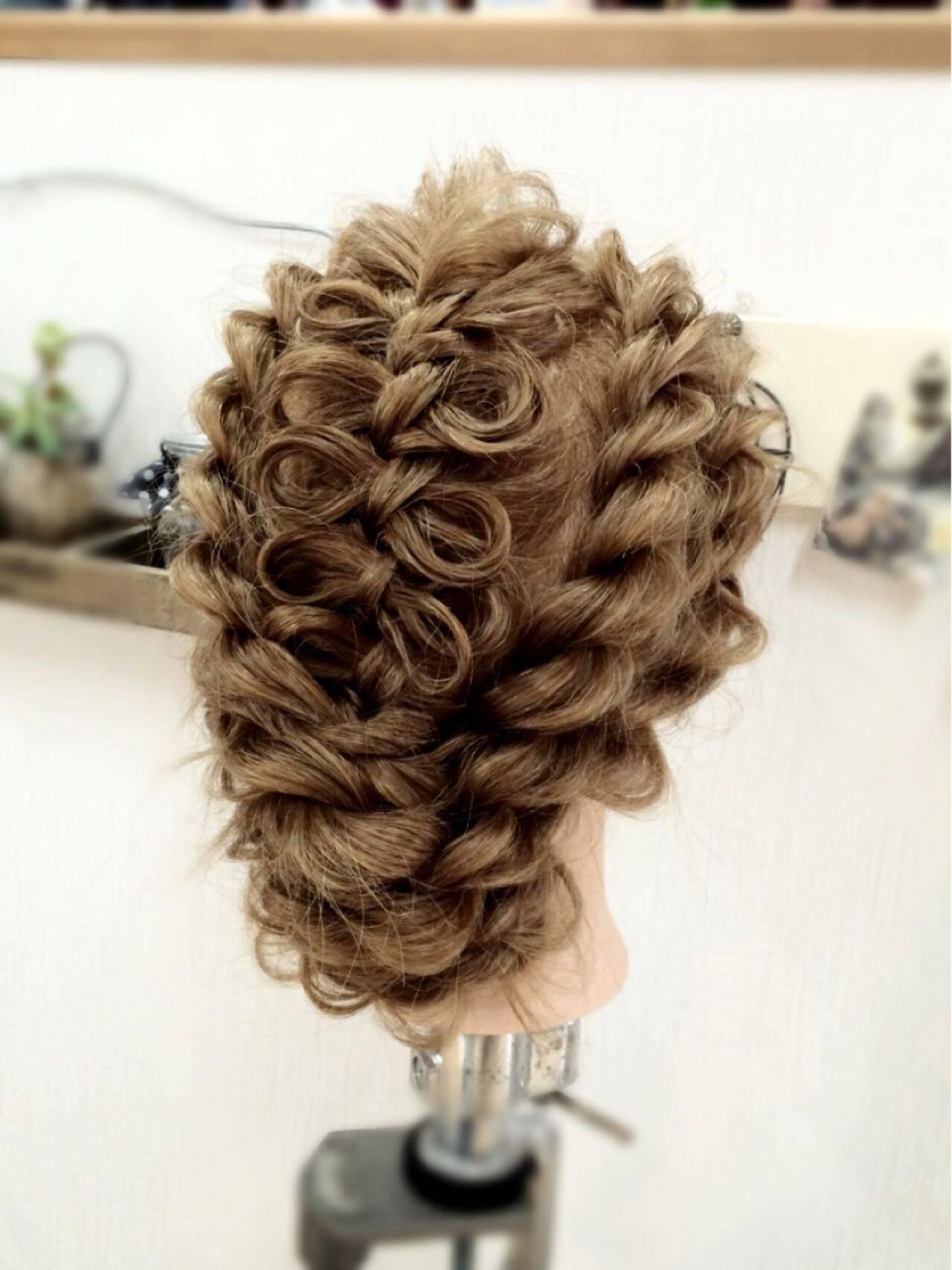 アップスタイル コンサバ ヘアアレンジ 編み込みヘアスタイルや髪型の写真・画像