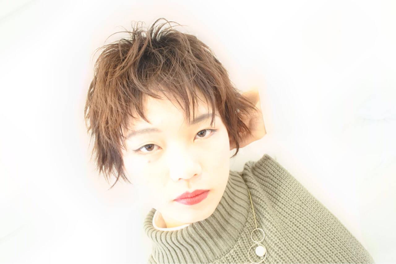 かっこいい ショート ハイライト ナチュラルヘアスタイルや髪型の写真・画像