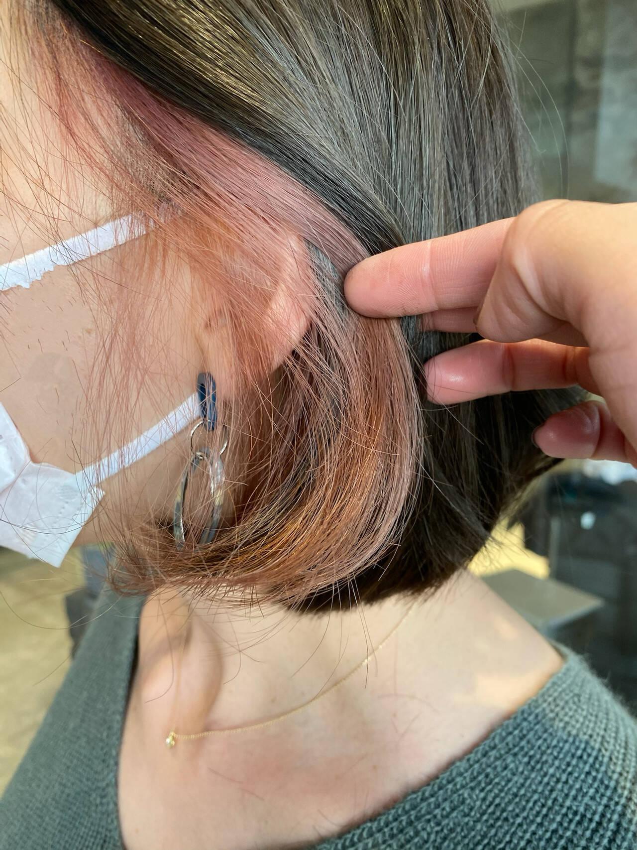 ボブ ピンク イヤリングカラーピンク ナチュラルヘアスタイルや髪型の写真・画像