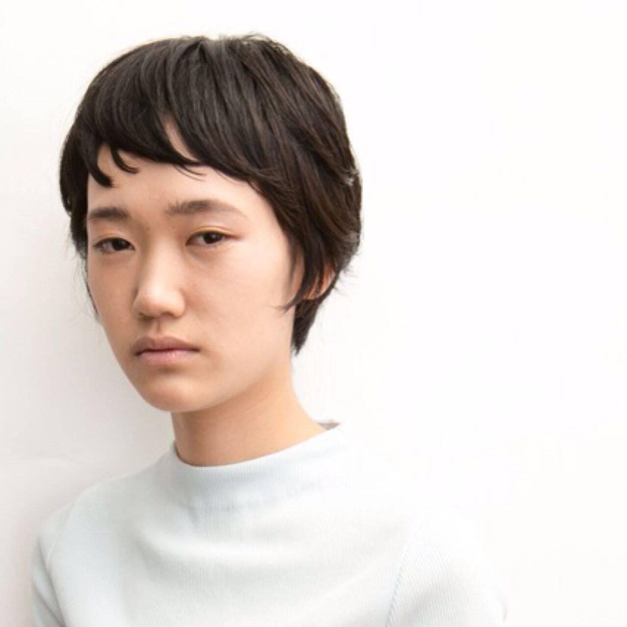 ナチュラル 黒髪 ショート 卵型ヘアスタイルや髪型の写真・画像