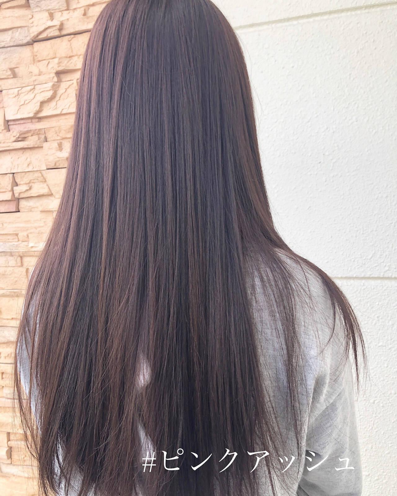 デート ピンクラベンダー ストレート ロングヘアスタイルや髪型の写真・画像