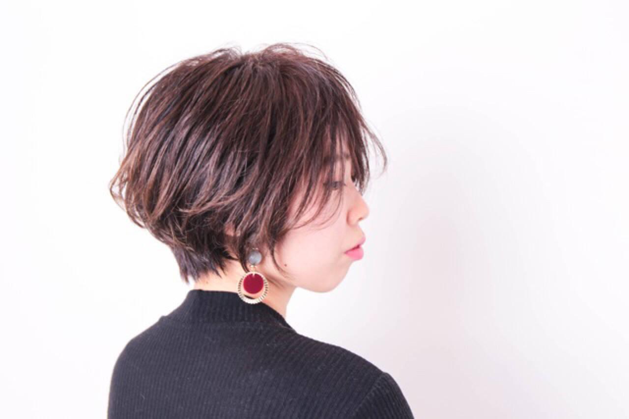 ハイライト 小顔 ボブ 暗髪ヘアスタイルや髪型の写真・画像