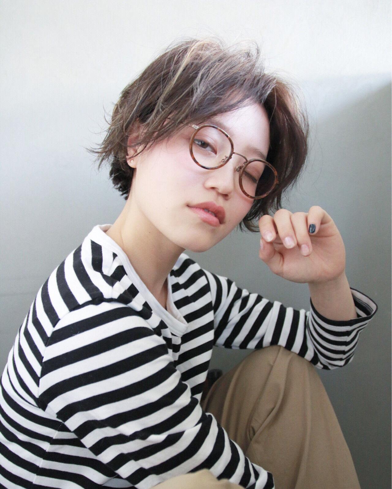 外国人風 ブリーチ パーマ ショートヘアスタイルや髪型の写真・画像