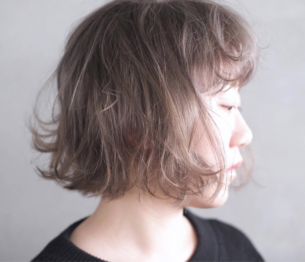ハイトーン ホワイト 冬 ブリーチヘアスタイルや髪型の写真・画像