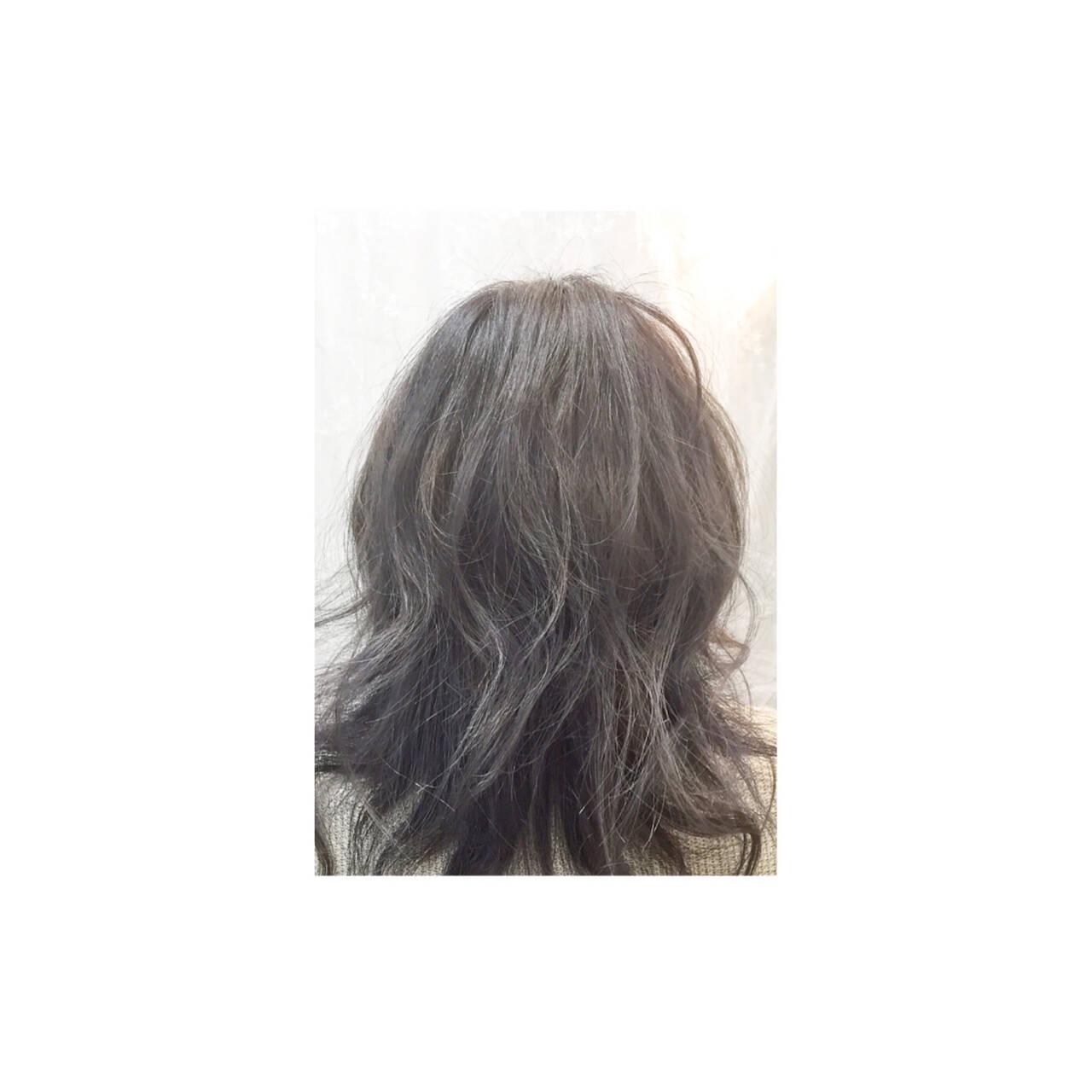外国人風 アッシュ ナチュラル ミディアムヘアスタイルや髪型の写真・画像