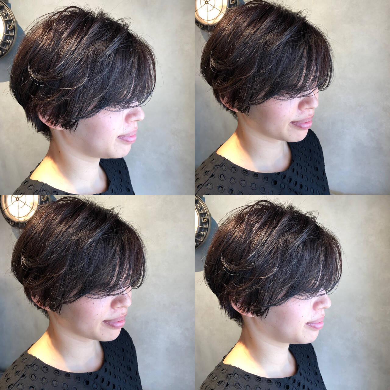 コンサバ 黒髪 パーマ ショートヘアスタイルや髪型の写真・画像