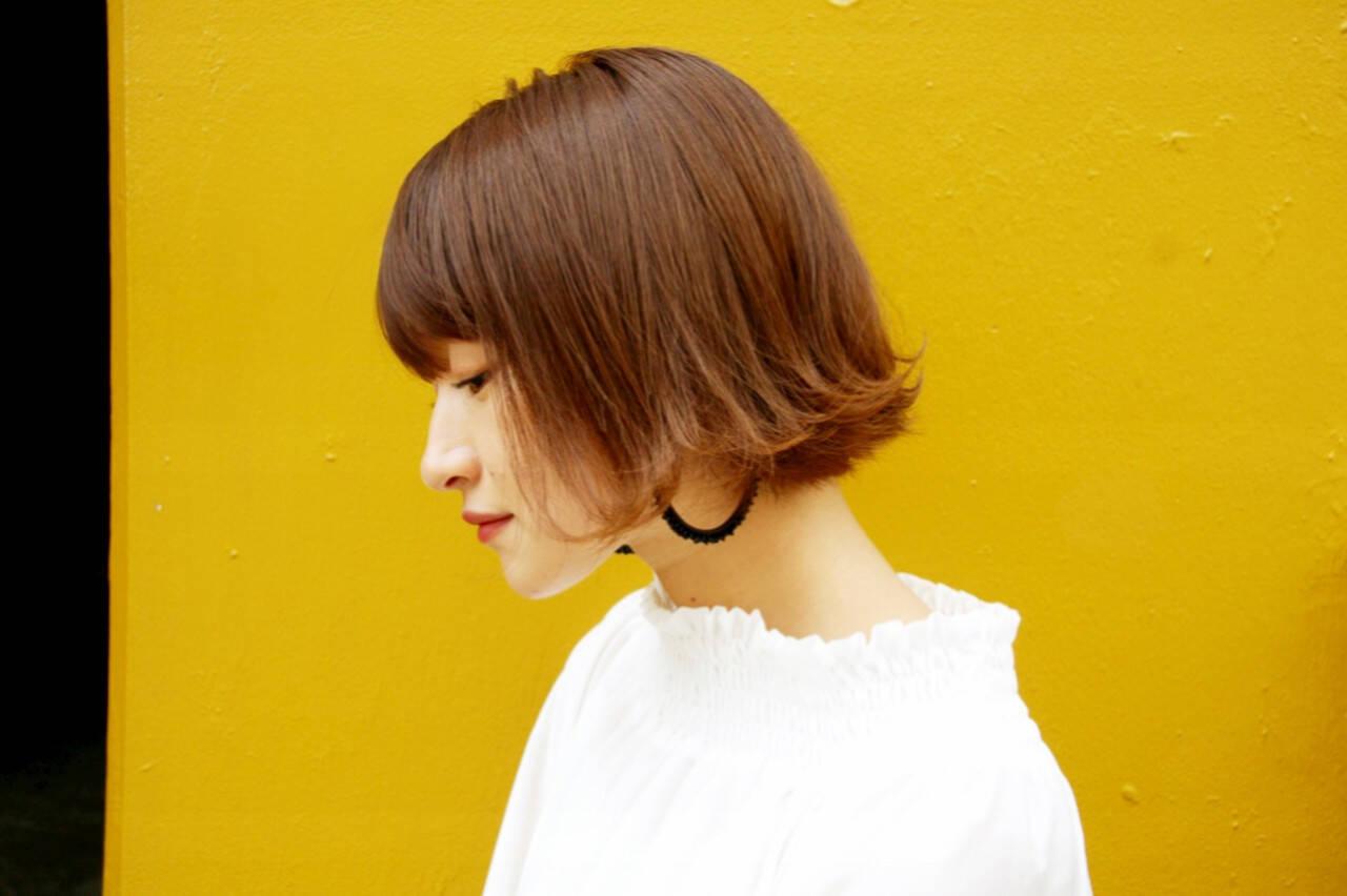 アンニュイほつれヘア ガーリー 切りっぱなしボブ アディクシーカラーヘアスタイルや髪型の写真・画像
