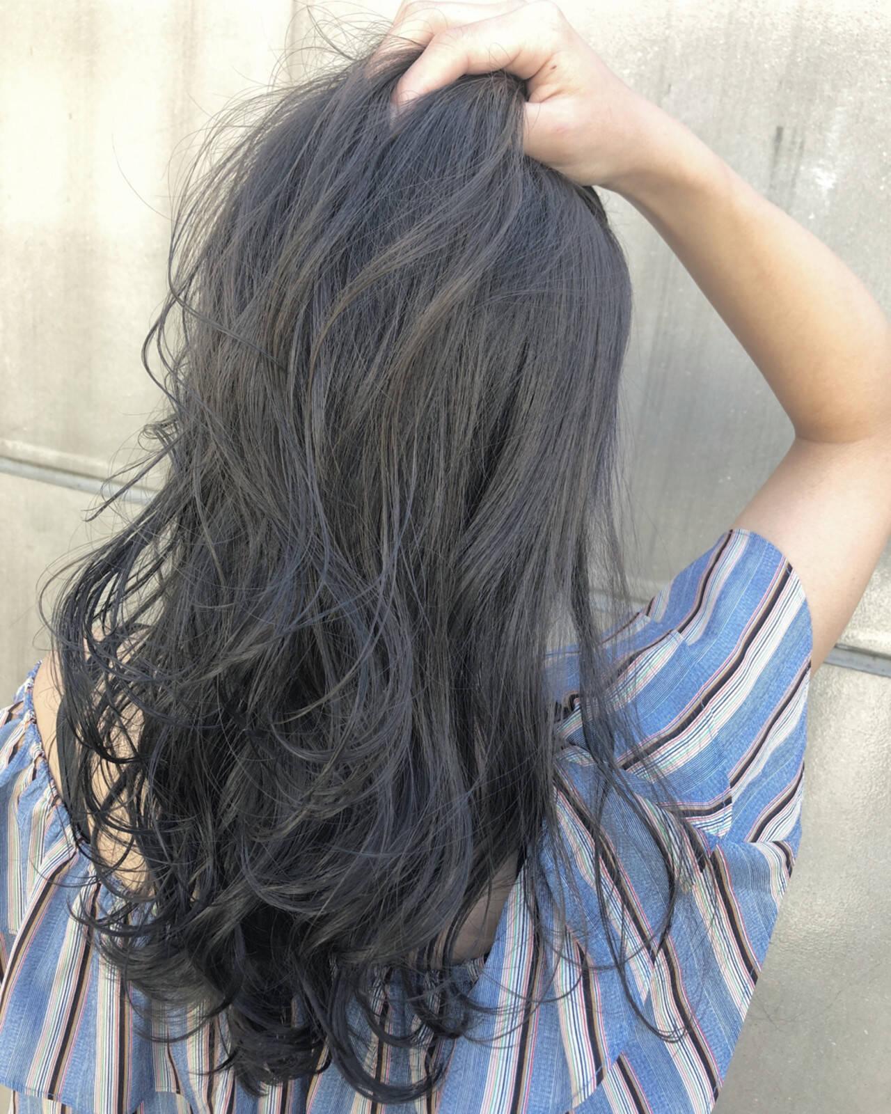 ロング エフォートレス ブリーチなし グレージュヘアスタイルや髪型の写真・画像