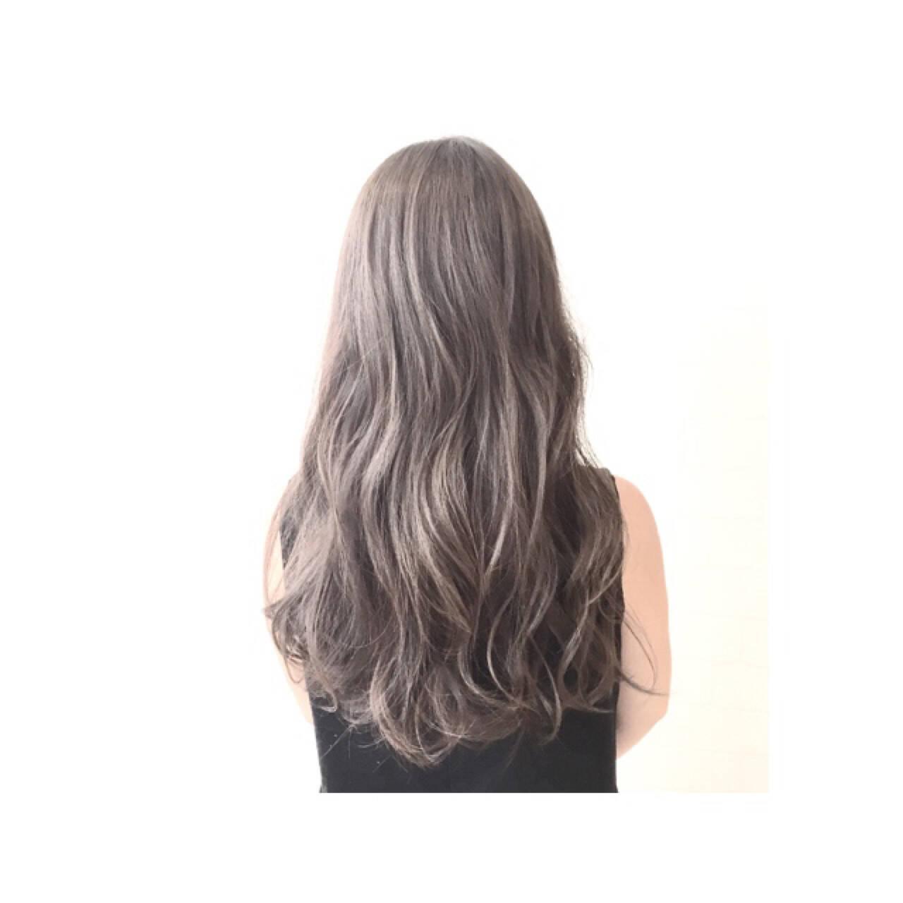 グラデーションカラー 暗髪 ハイライト アッシュヘアスタイルや髪型の写真・画像