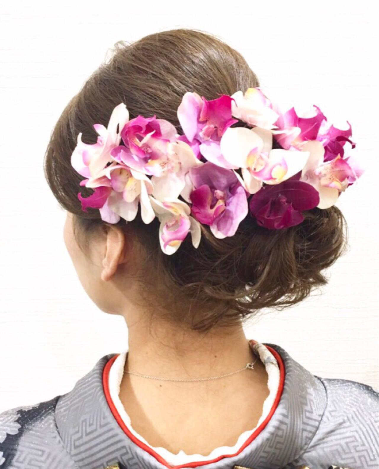 フェミニン ロング 成人式 花ヘアスタイルや髪型の写真・画像