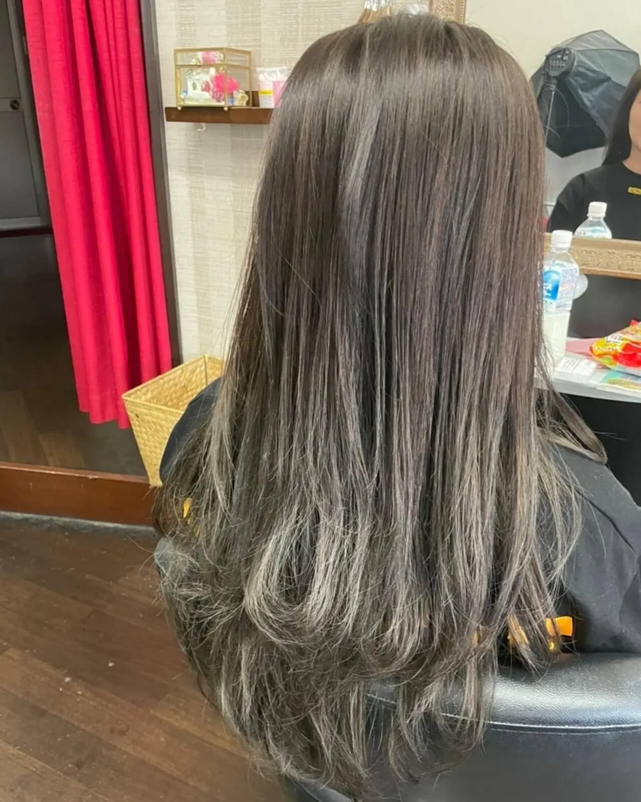 グラデーション セミロング グラデーションカラー ナチュラルグラデーションヘアスタイルや髪型の写真・画像