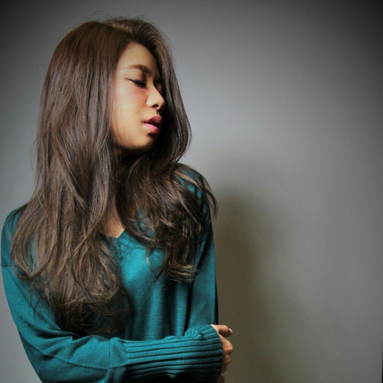 ロング 大人かわいい グラデーションカラー ストレートヘアスタイルや髪型の写真・画像