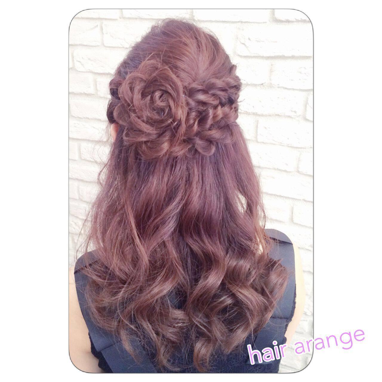 ヘアアレンジ パーティ セミロング ねじりヘアスタイルや髪型の写真・画像