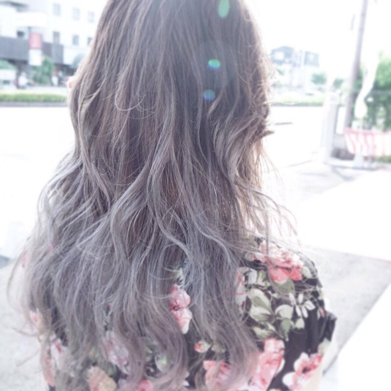 ストリート 外国人風 アッシュ グレージュヘアスタイルや髪型の写真・画像