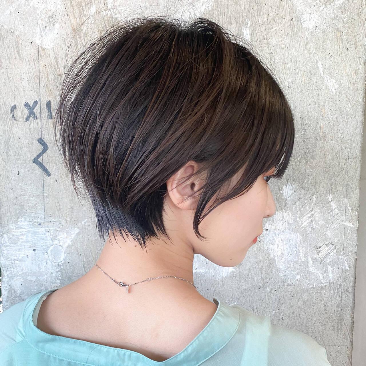 前髪パッツン 丸みショート ショートヘア ショートボブヘアスタイルや髪型の写真・画像