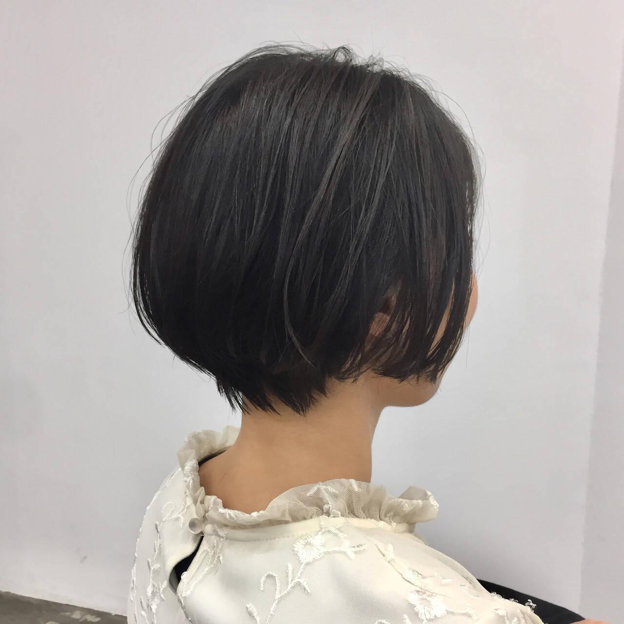 ショート 小顔ショート 大人ショート ナチュラルヘアスタイルや髪型の写真・画像