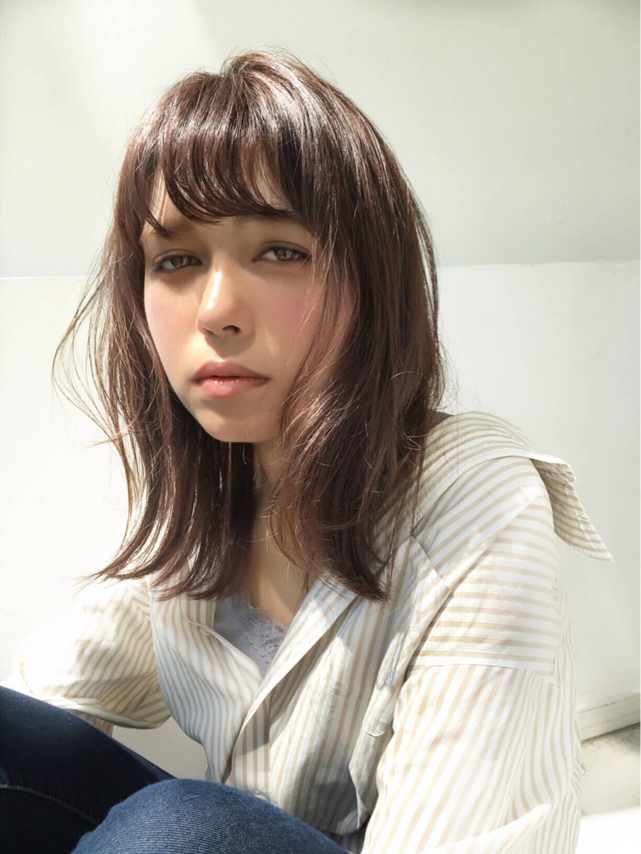 リラックス ニュアンス 外ハネ ミディアムヘアスタイルや髪型の写真・画像