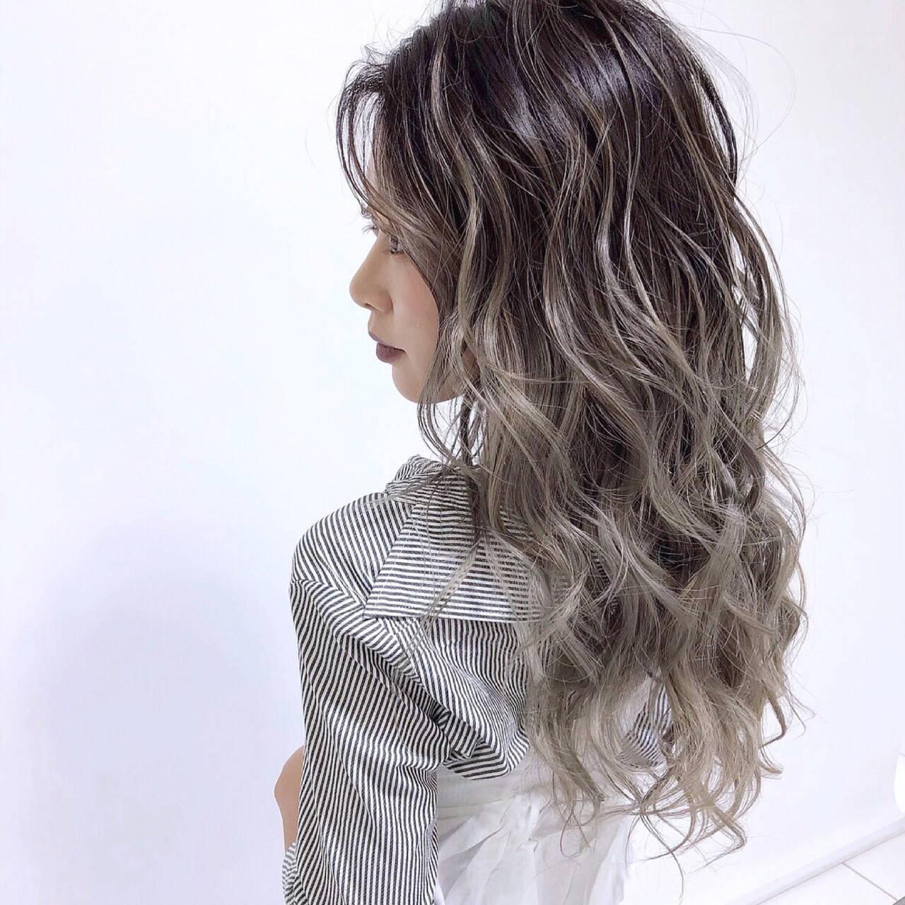 ブリーチカラー 外国人風カラー バレイヤージュ ロングヘアスタイルや髪型の写真・画像