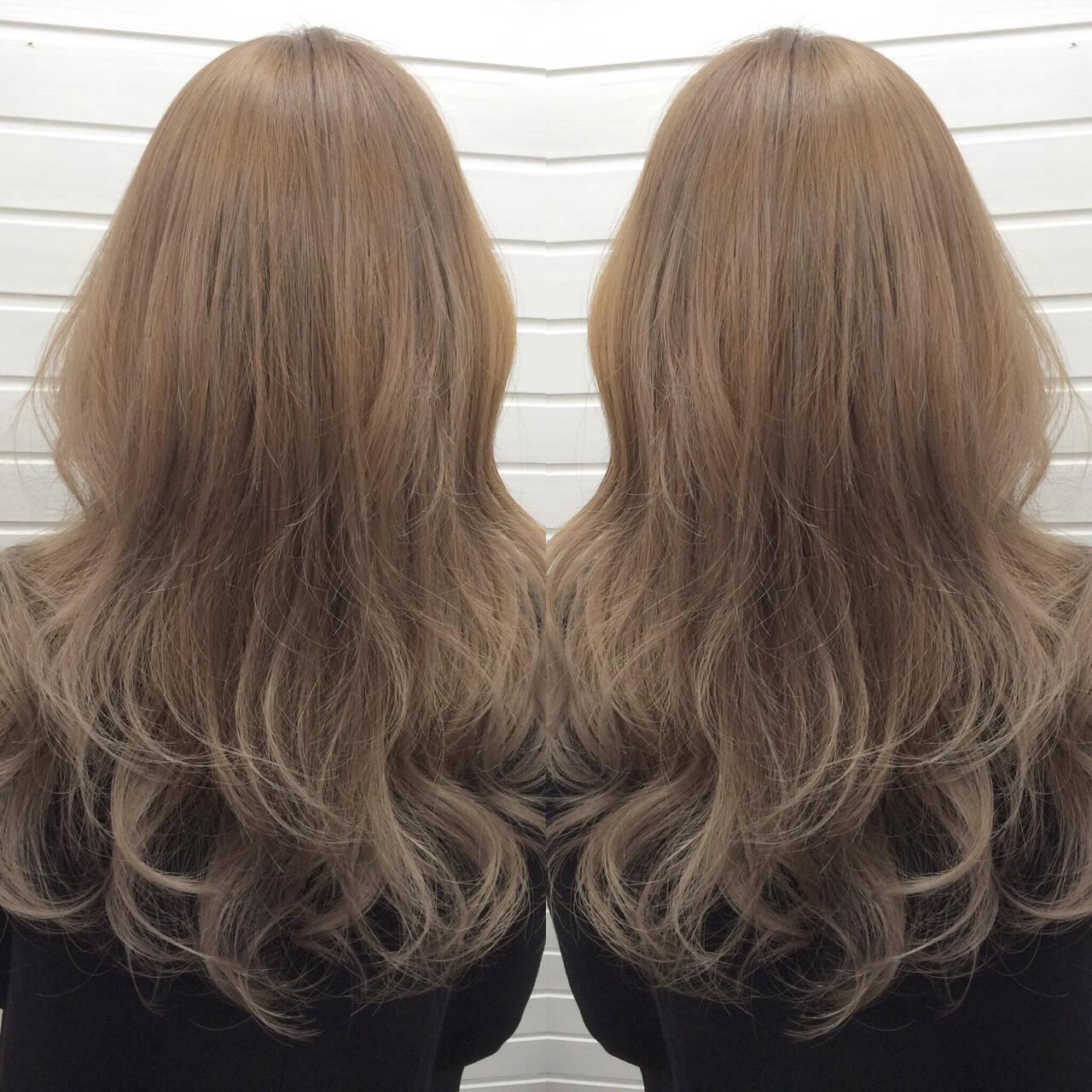 ホワイトアッシュ アッシュ ブリーチ エレガントヘアスタイルや髪型の写真・画像