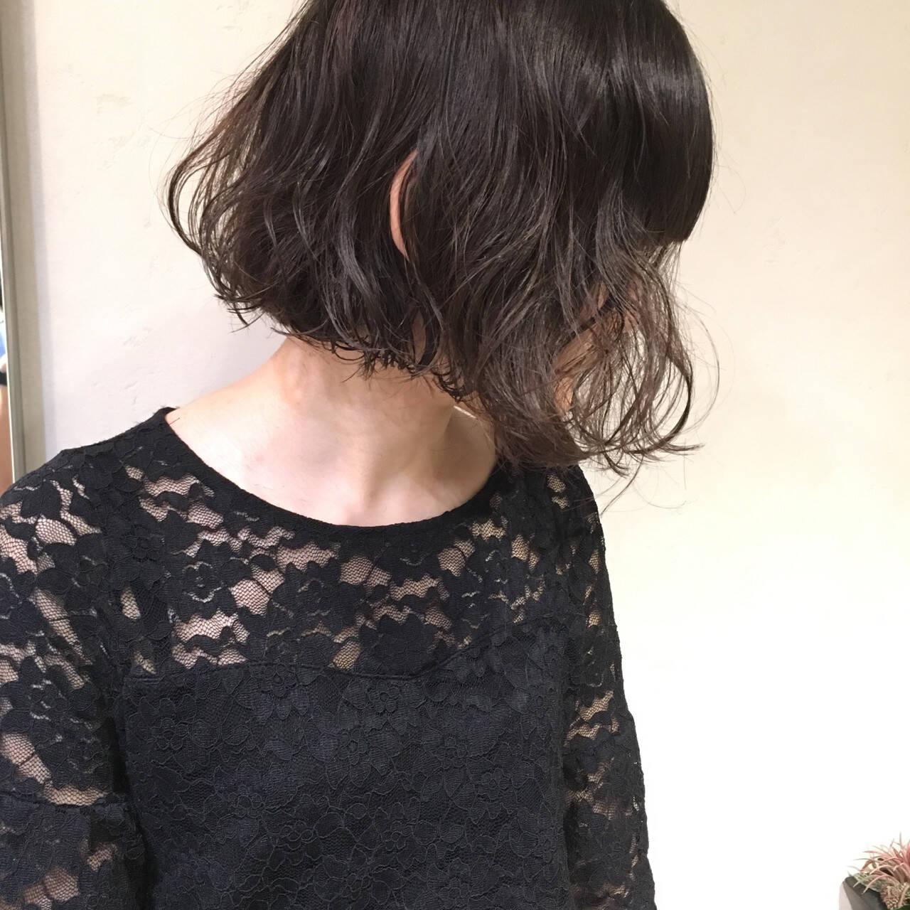 小顔 ウェーブ ニュアンス こなれ感ヘアスタイルや髪型の写真・画像