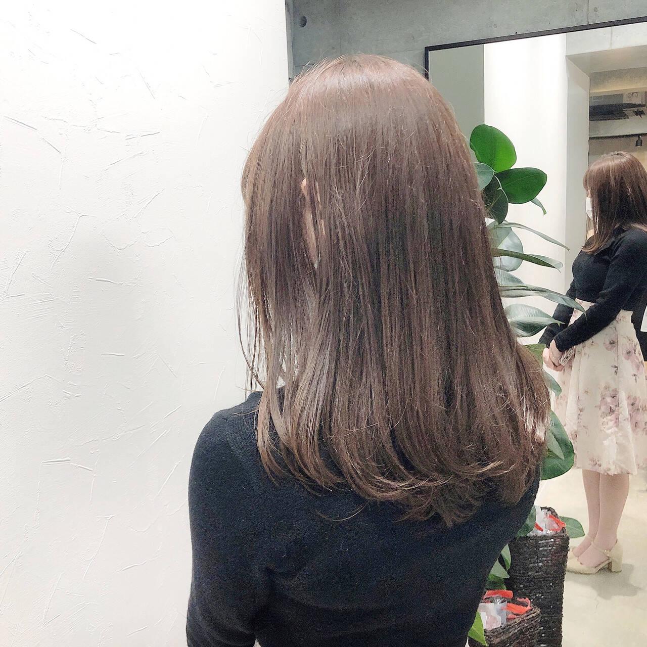 コンサバ ラベンダーカラー ベージュ ブリーチなしヘアスタイルや髪型の写真・画像