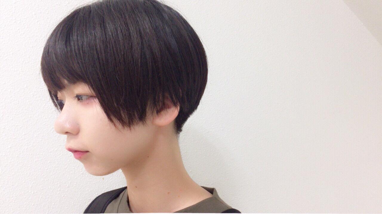ナチュラル 暗髪 ショート 刈り上げヘアスタイルや髪型の写真・画像