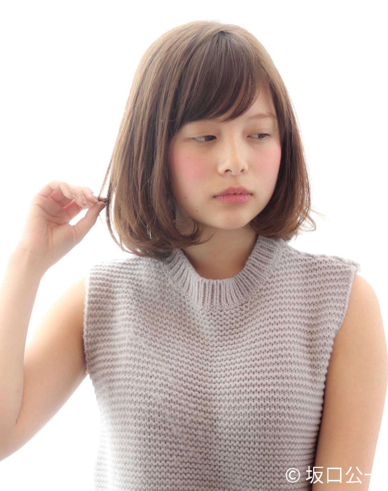 ナチュラル デート 小顔 大人女子ヘアスタイルや髪型の写真・画像