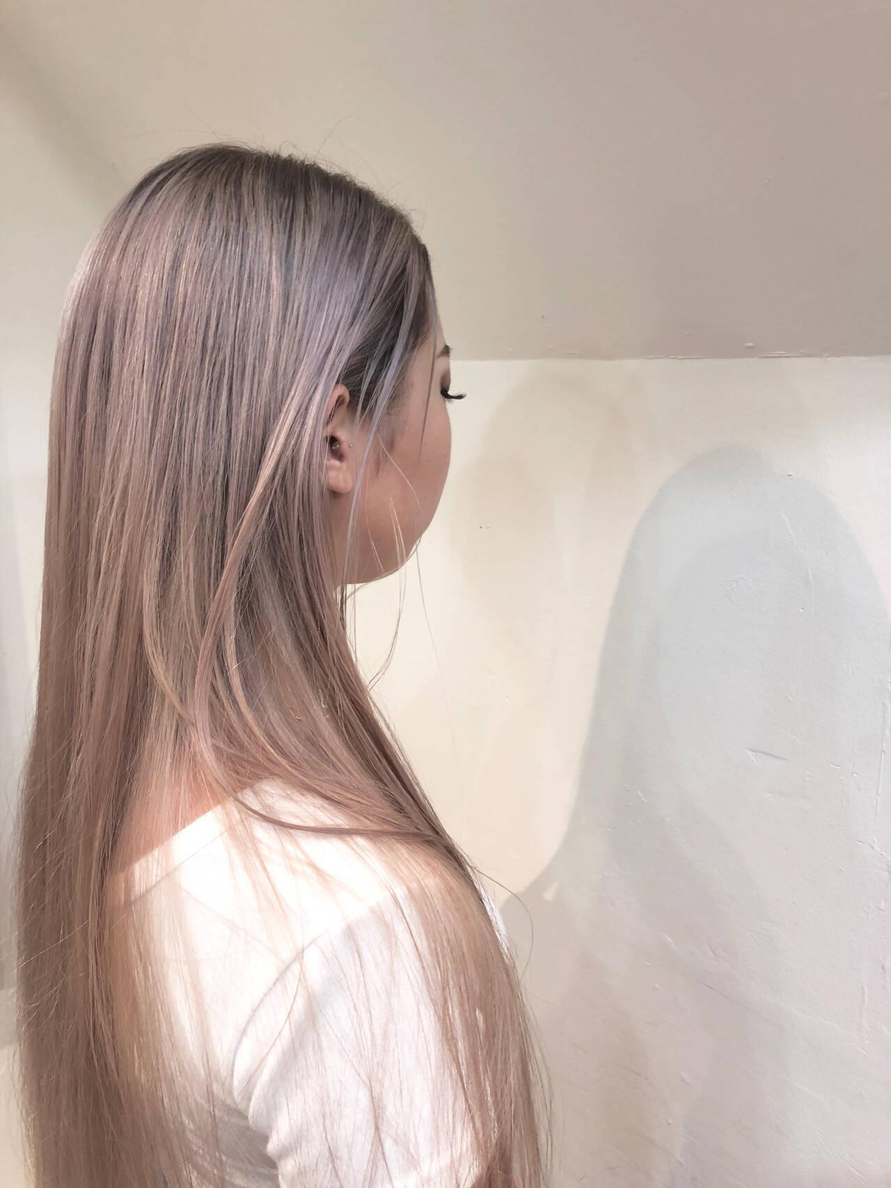 バレイヤージュ ナチュラル ロング ハイトーンカラーヘアスタイルや髪型の写真・画像