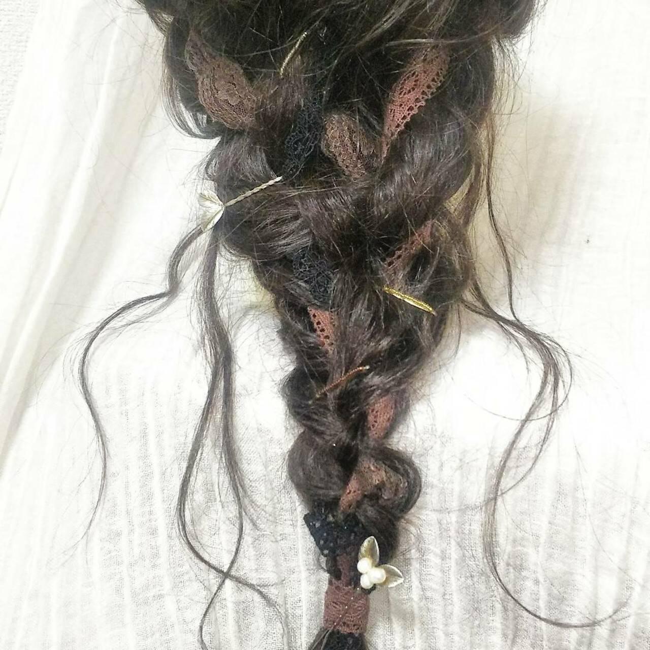 フェミニン 結婚式 ロング 編み込みヘアスタイルや髪型の写真・画像