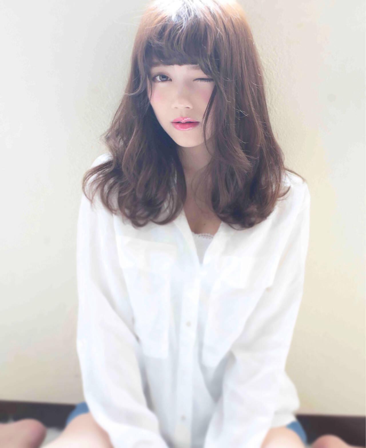 大人かわいい セミロング スウィート ナチュラルヘアスタイルや髪型の写真・画像