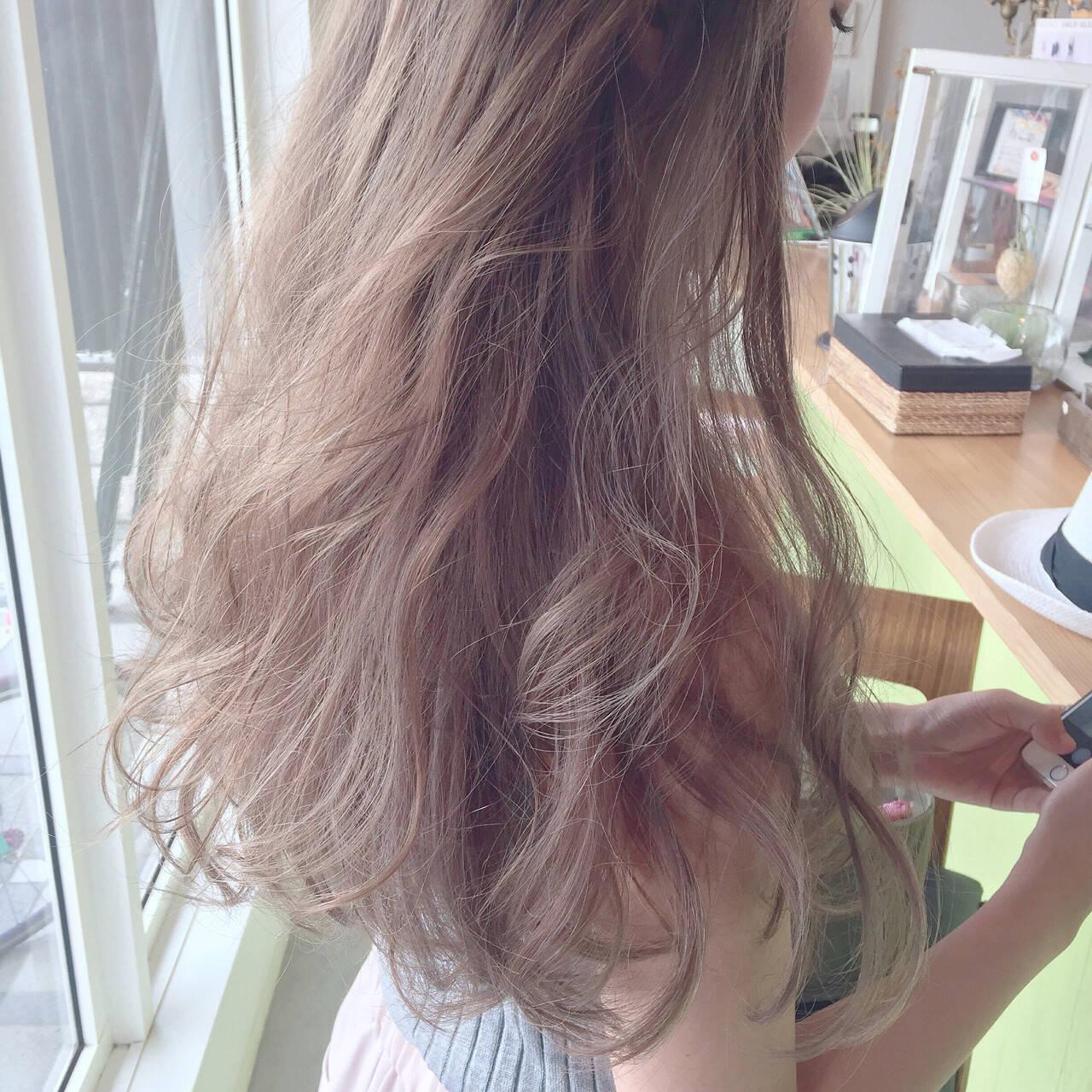 アッシュ ロング 外国人風 ストリートヘアスタイルや髪型の写真・画像