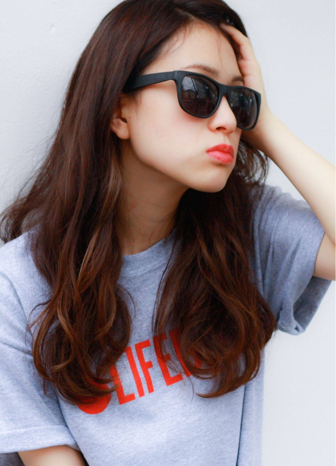 ガーリー 秋 アッシュ セミロングヘアスタイルや髪型の写真・画像
