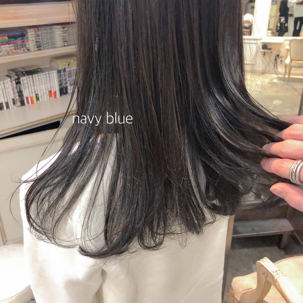 ブルーブラック ナチュラル ロング 就活ヘアスタイルや髪型の写真・画像