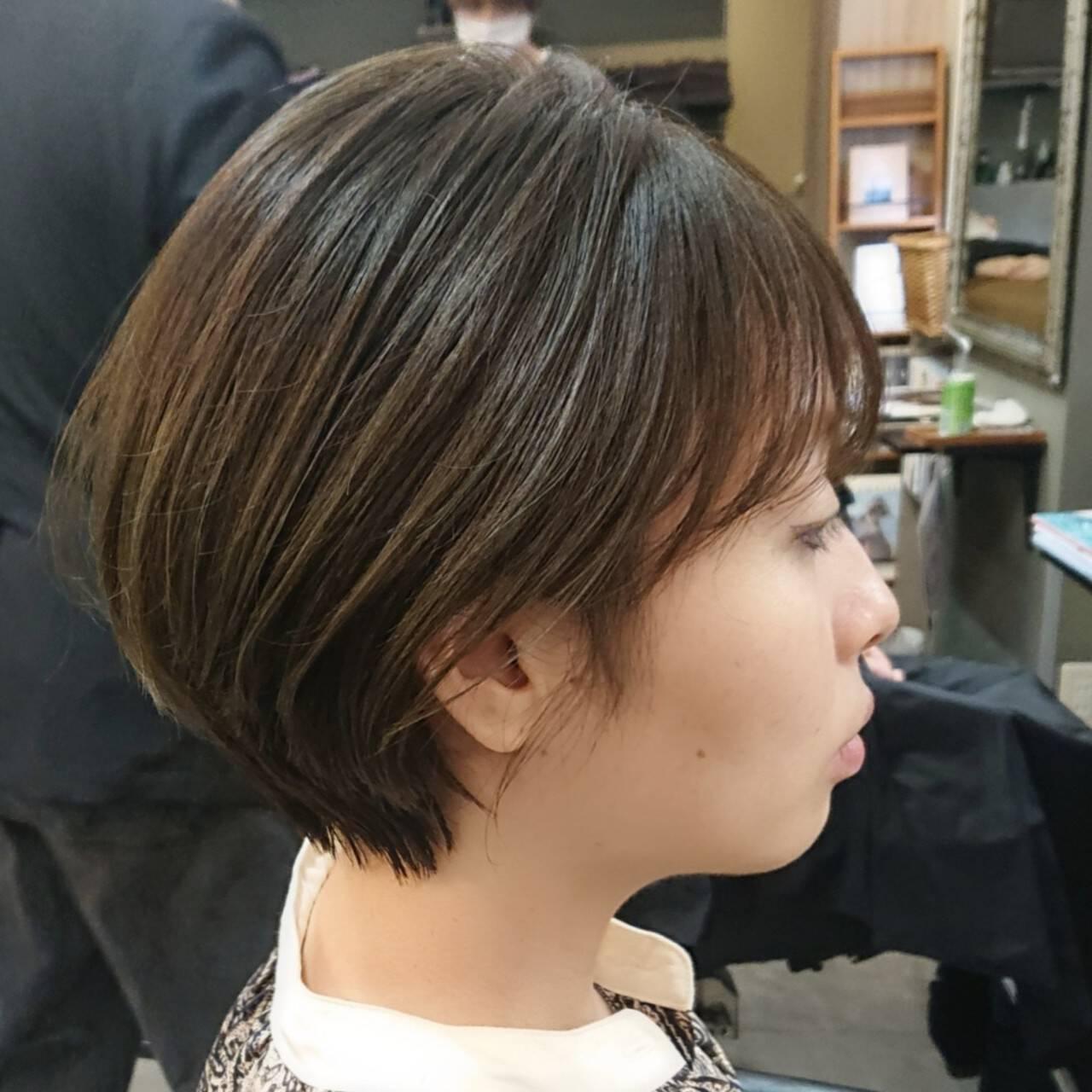 アッシュ 丸みショート ショート マッシュヘアスタイルや髪型の写真・画像
