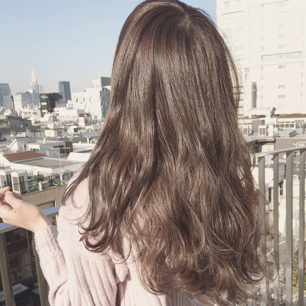 ハイライト 外国人風 ゆるふわ アッシュヘアスタイルや髪型の写真・画像