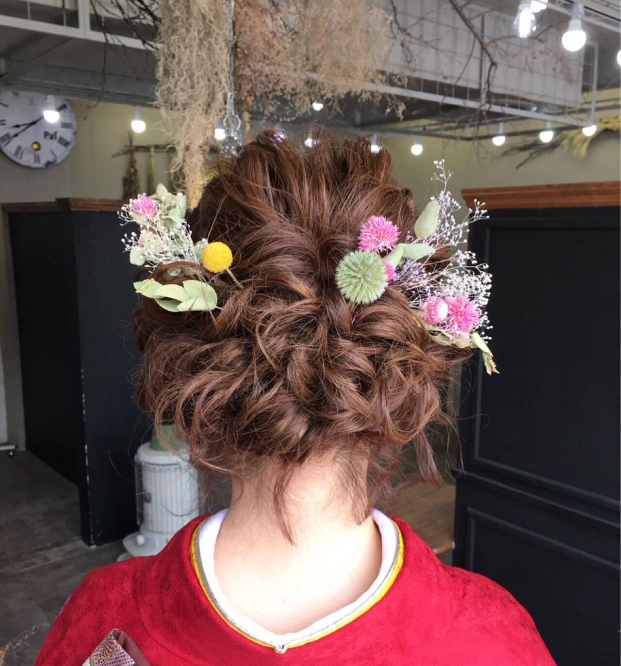 ミディアム 結婚式 ヘアアレンジ フェミニンヘアスタイルや髪型の写真・画像