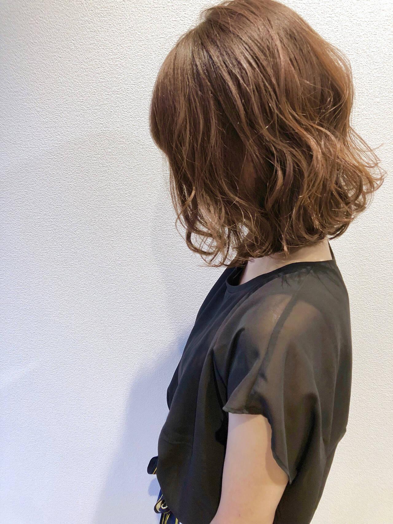 無造作パーマ ナチュラル ゆるふわパーマ ボブヘアスタイルや髪型の写真・画像
