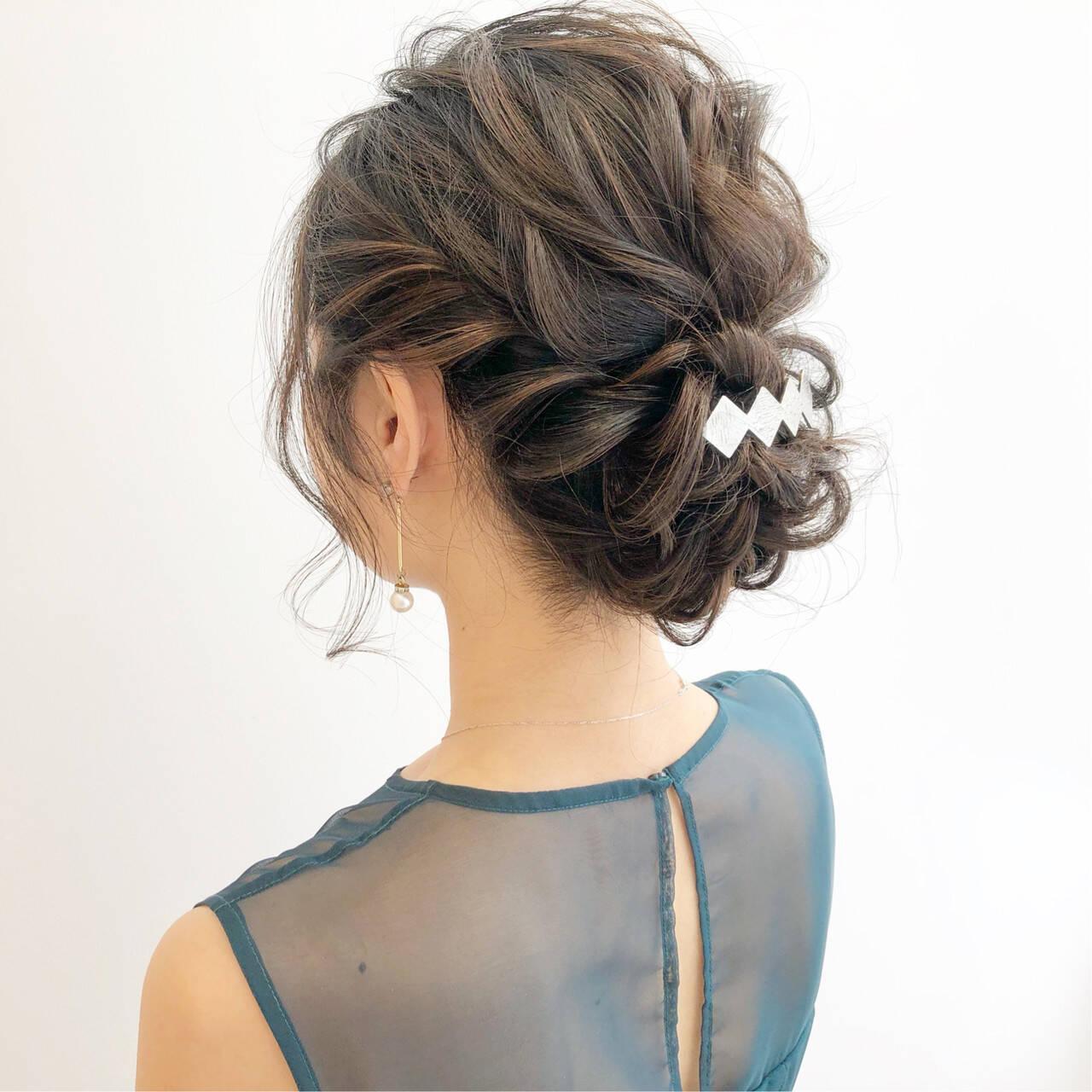 オフィス 簡単ヘアアレンジ 結婚式 セミロングヘアスタイルや髪型の写真・画像
