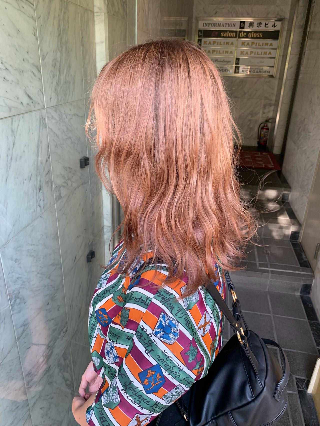 外国人風 セミロング ハイトーンカラー 透明感カラーヘアスタイルや髪型の写真・画像