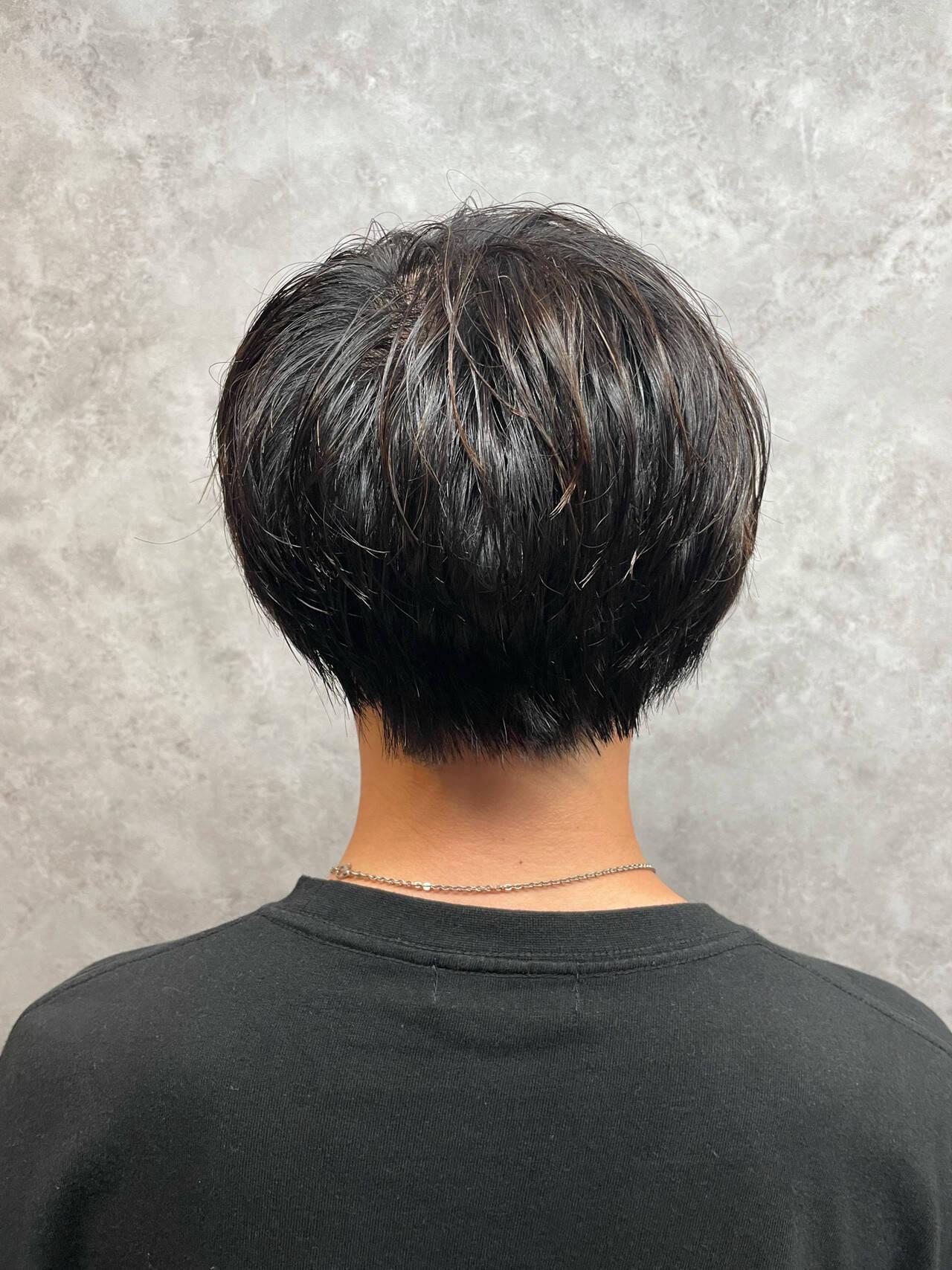 メンズカット メンズパーマ ナチュラル ショートヘアスタイルや髪型の写真・画像