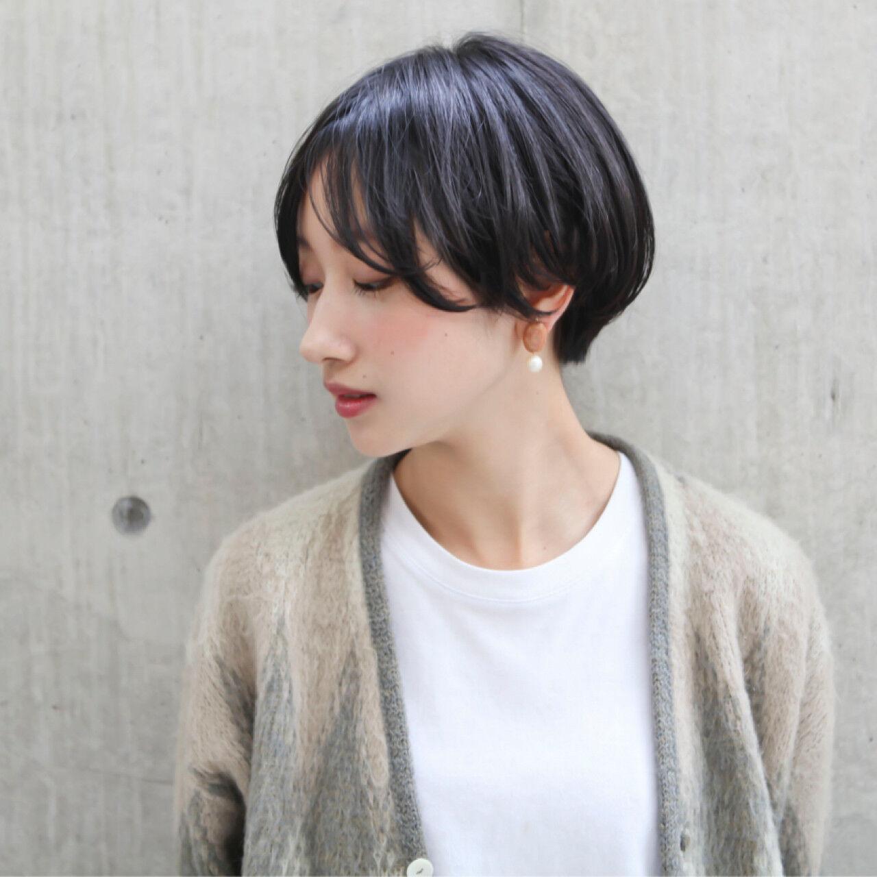 ショートボブ 大人かわいい 暗髪 ナチュラルヘアスタイルや髪型の写真・画像